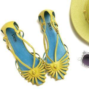 Stylish Leather Hurache Style Sandals Size 8